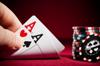 Spielautomaten vs Poker